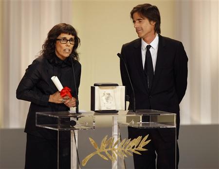 Os realizadores Daniela Thomas e Walter Salles receberam o Prémio em nome da actriz galardoada