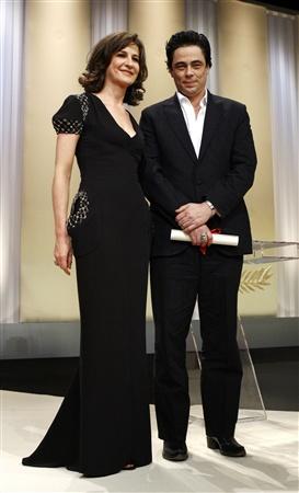 Benicio Del Toro recebeu o sei Prémio das mãos da actriz Valerie Lemercier