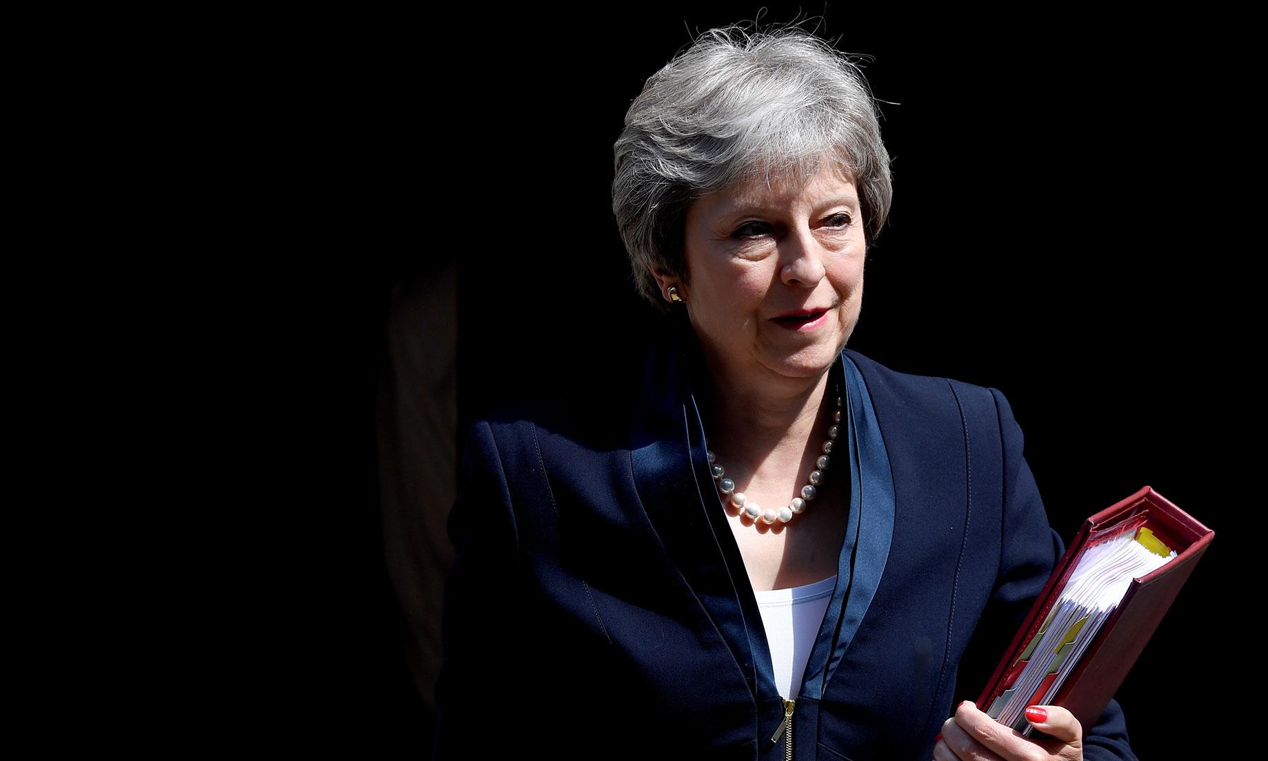 EFE | Theresa May en la cuerda floja por el Brexit Lead3