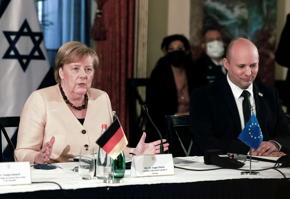 Merkel Pays Tribute to Holocaust Victims, Vows German Commitment to Israel