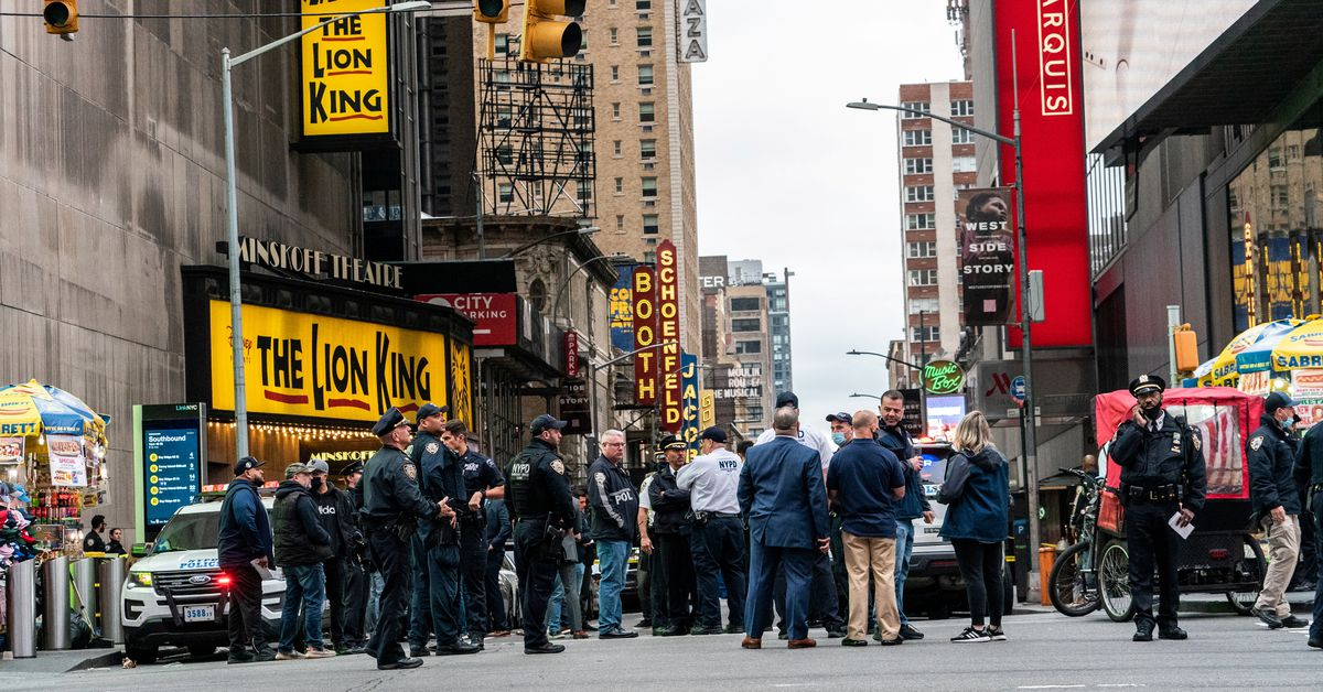 Three people, including a 4-year-old, shot in New York's Times Square