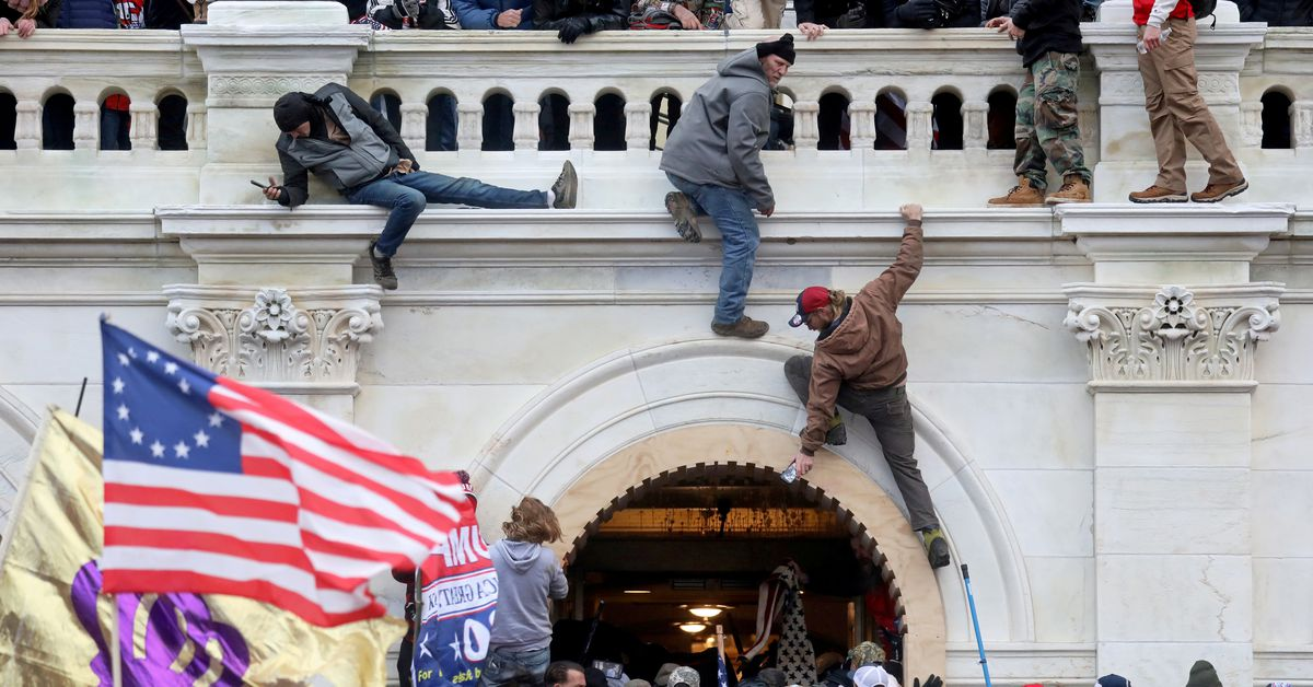 U.S. Capitol Police officer charged with telling rioter to destroy evidence - Reuters