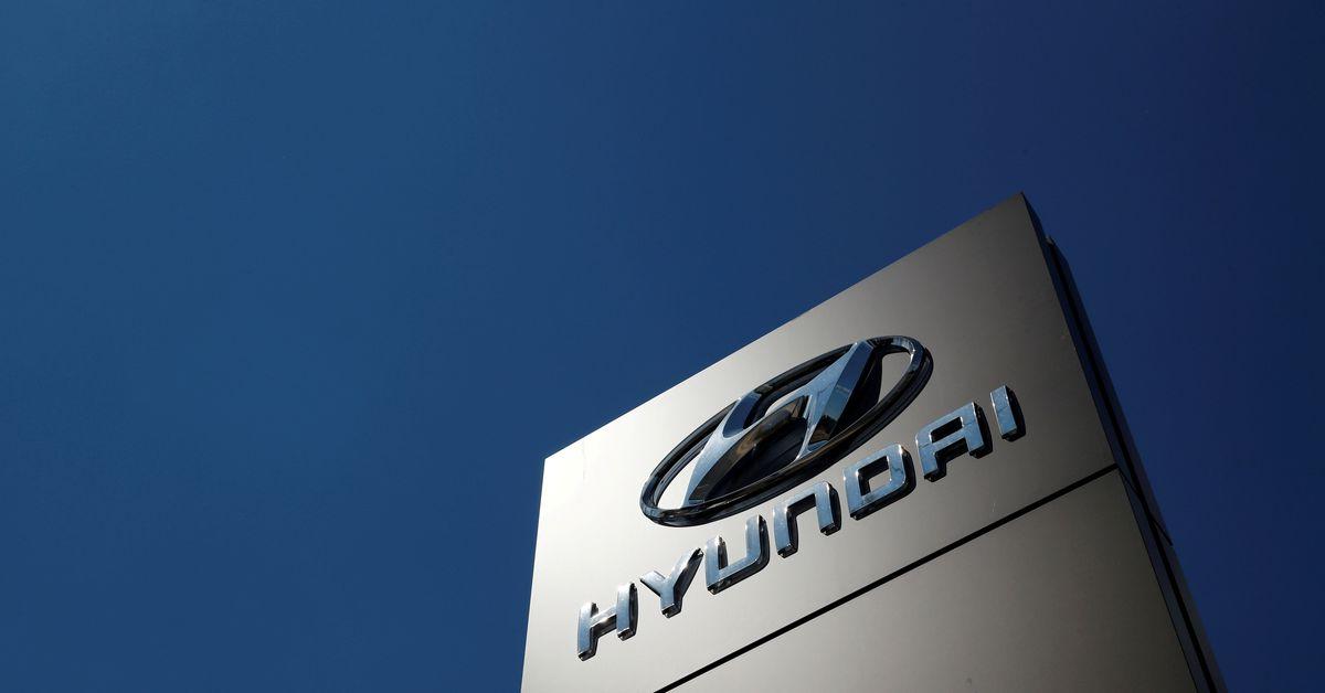reuters.com - Heekyong Yang - Hyundai Motor's Q3 profit misses estimates as chip shortage takes a toll