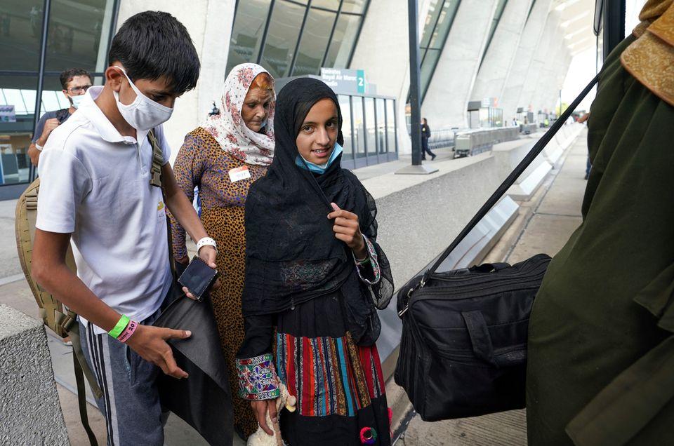 Dozens of Unaccompanied Afghan Children Evacuated to the U.S., PlsU.S. government custody