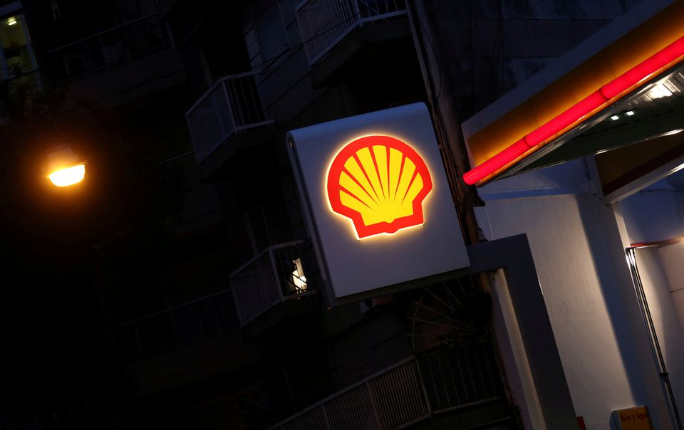 Shell ordered to deepen carbon cuts