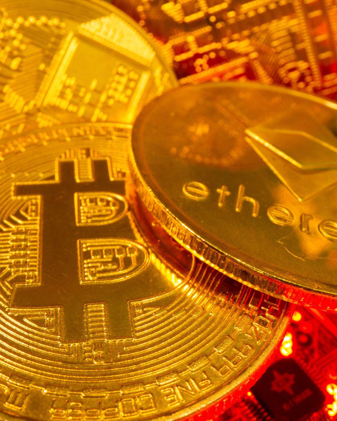 Tesla, da oggi è possibile acquistarle in Bitcoin