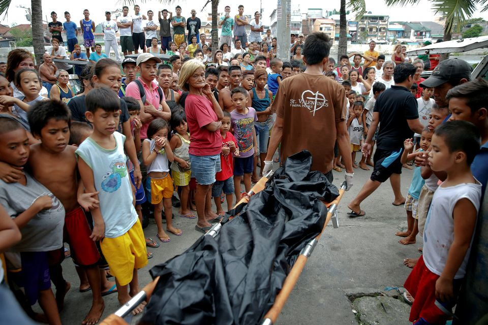 Philippines to CrimiInvestigate 154 Police Officers Over Deadly Drugs War