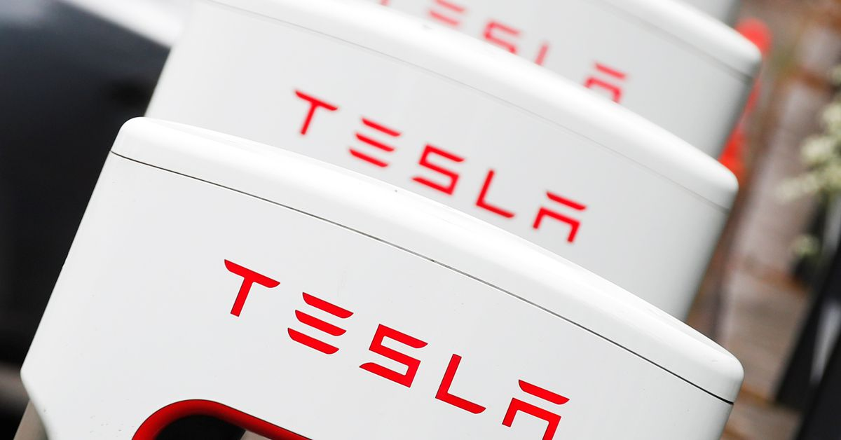 'Big Short' investor Burry says he's no longer betting against Tesla – CNBC