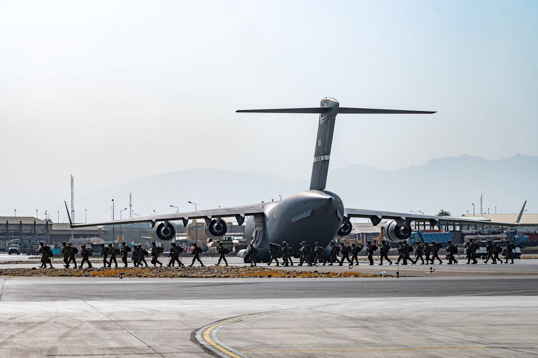 U.S. Sends Commercial Planes to TranspoEvacuees After Afghanistan