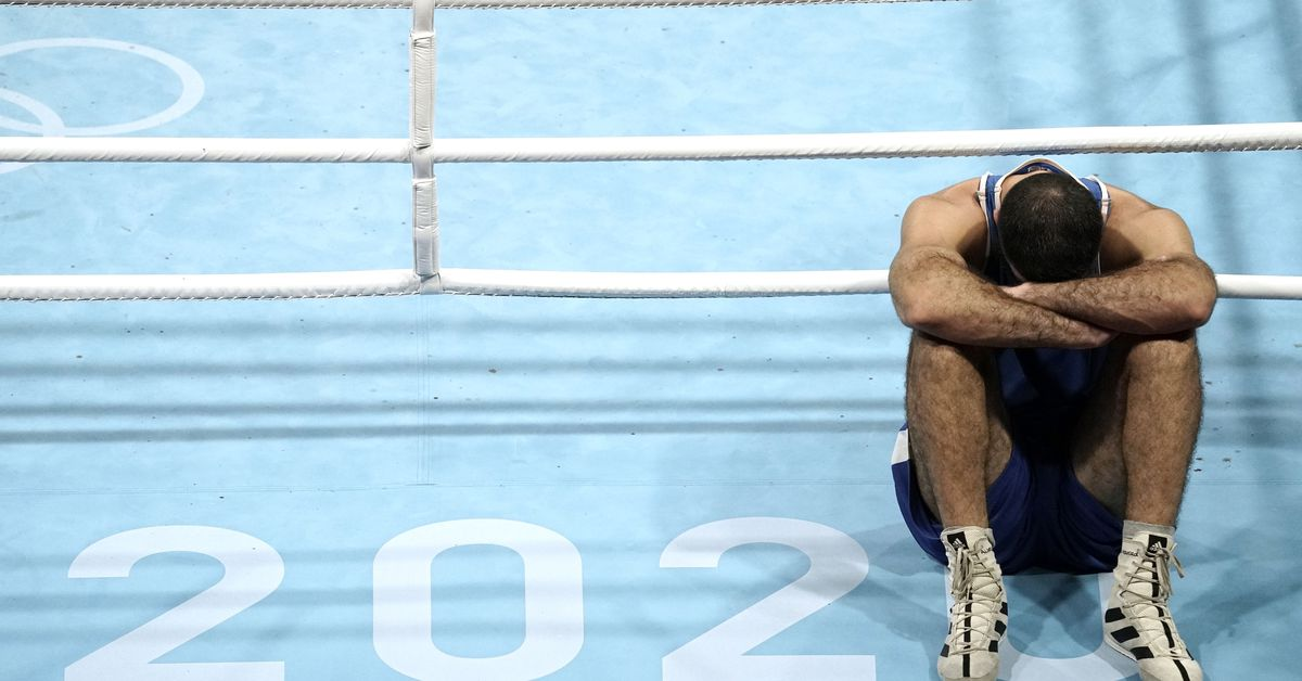 Boxing-France's Aliev protests with sit-in after disqualification