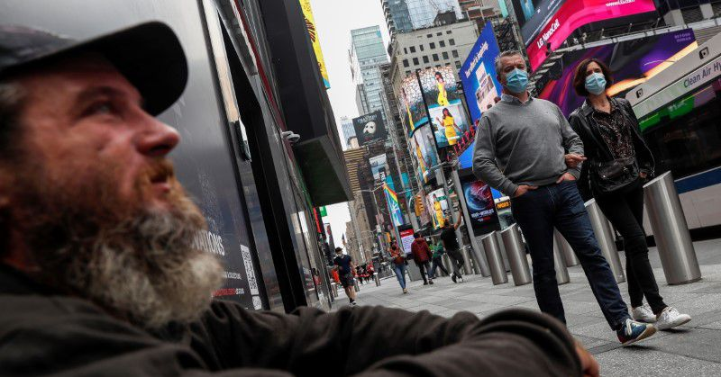 New York grapples with growing presence of homeless in midtown Manhattan