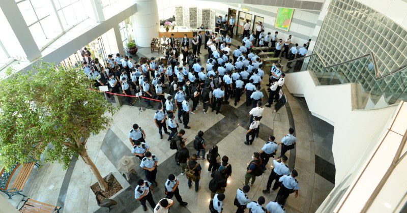 HK's Apple Daily raided by 500 officers over national security law