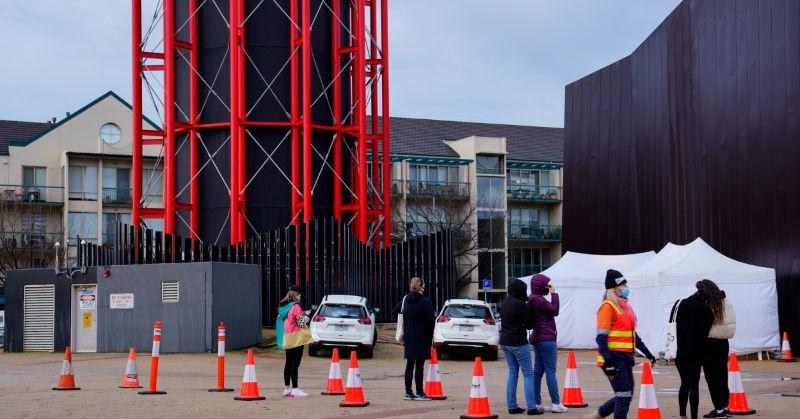 Image Australia's Melbourne to allow residents to leave city, despite stubborn virus outbreak - Reuters UK