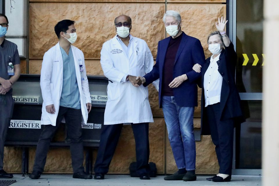 Former U.S. President Clinton Leaves Hospital and Will Continue Treatment in New York