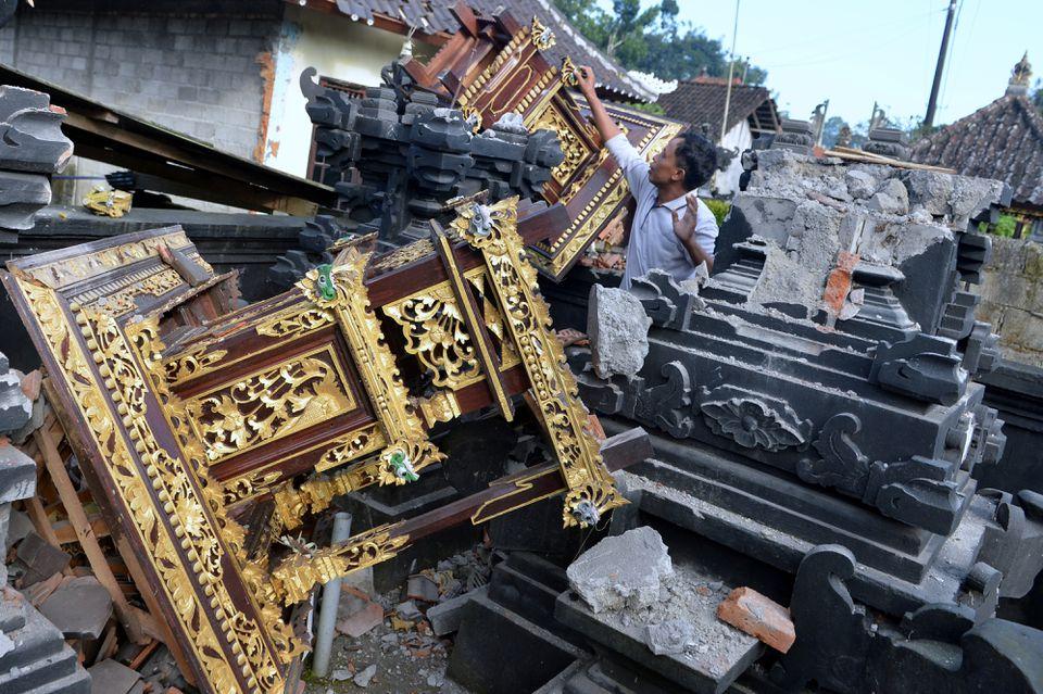 4.8 Magnitude Earthquake Strikes Bali, Three People Killed