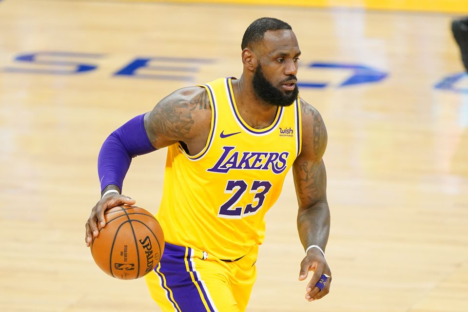 LeBron James Becomes First Active NBA Player to Make  Billion in Earnings