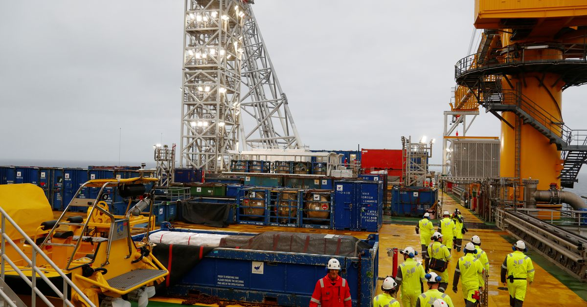 Norwegian oil companies, labour unions agree wage deal thumbnail