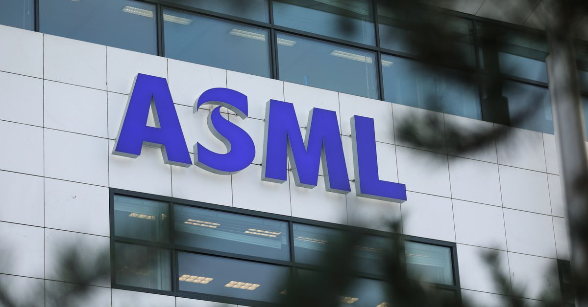ASML posts better-than-expected Q3 net income of $2 bln amid chip shortage