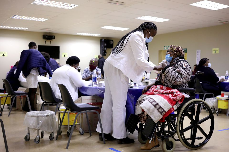 South African Medics Threaten Court Action as Staff Shortages Hamper Coronavirus Response