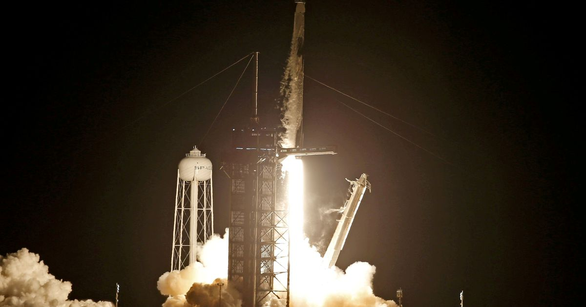 Enviros sue over Texas beach closures for SpaceX rocket tests