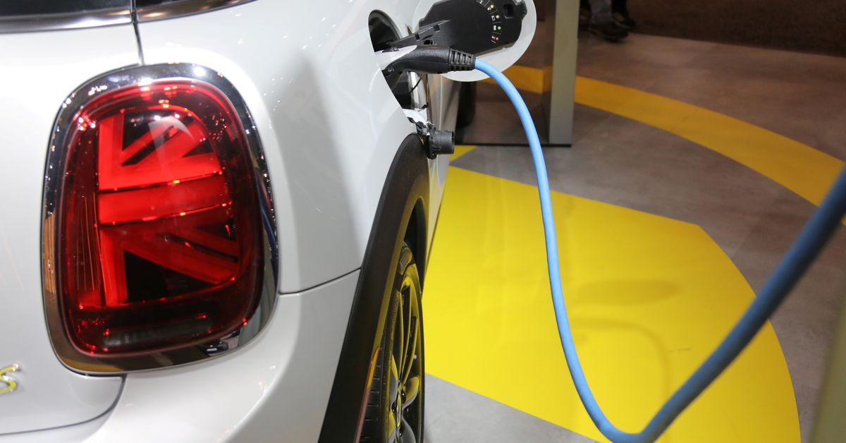 EXCLUSIVE Biden's electric vehicle plan includes battery recycling push