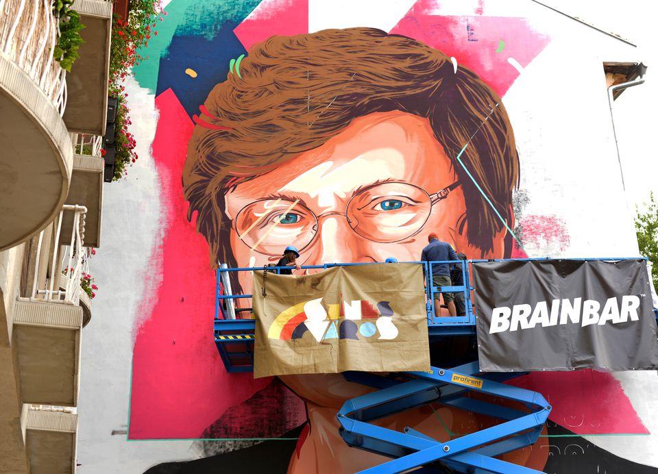 Budapest Mural Honors Katalin Kariko, Hungarian-born Scientist Behind Coronavirus Vaccine