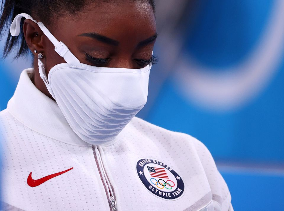 """Simone Biles' Birth Mother Speaks Out About Daughter Withdrawing From Team Final: """"She's Gonna be Okay"""""""