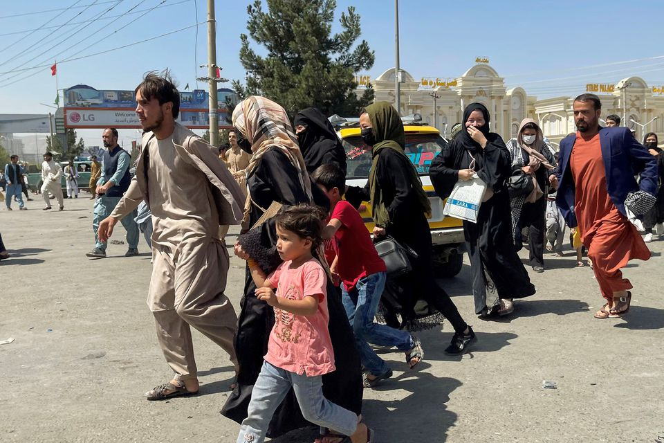 Afghans in U.S. Struggle to Help Relatives in Kabul