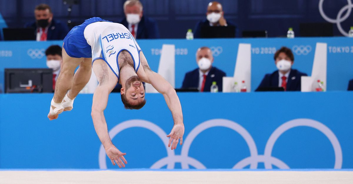 Gymnastics-Dolgopyat wins men's floor, Andrade takes women's vault